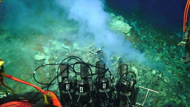 Deep-sea volcanoes: Windows into the subsurface
