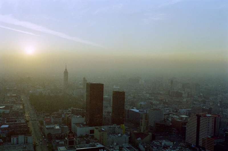 Globally, air pollution accounts for 29 percent of all deaths and disease from lung cancer