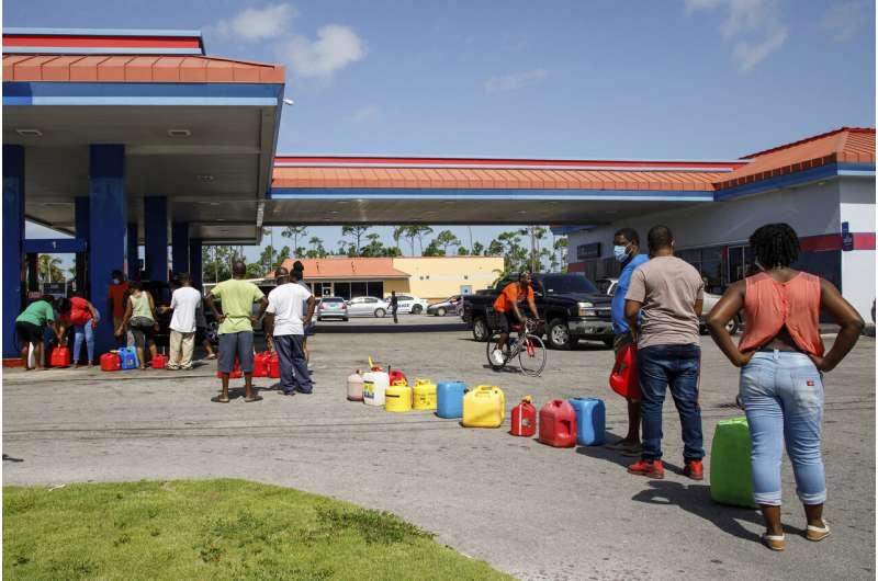 Hurricane Isaias churns through Bahamas as Florida prepares