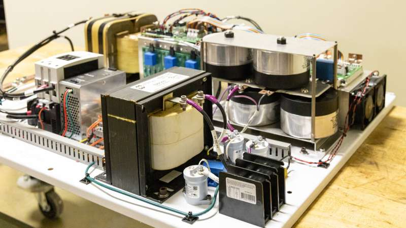 Hybrid inverter integrates distributed energy resources, supports smart grid function