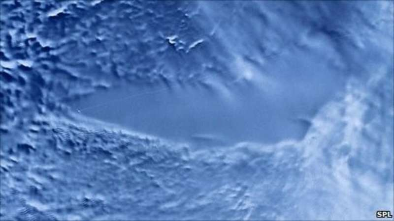 Mars: mounting evidence for subglacial lakes, but could they really host life?
