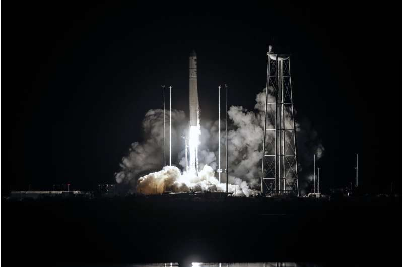 Radish seeds, meats and cheeses launched to space station