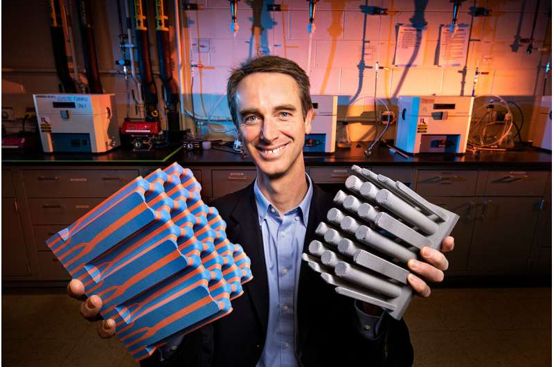 Researchers gain control over internal structure of self-assembled composite materials