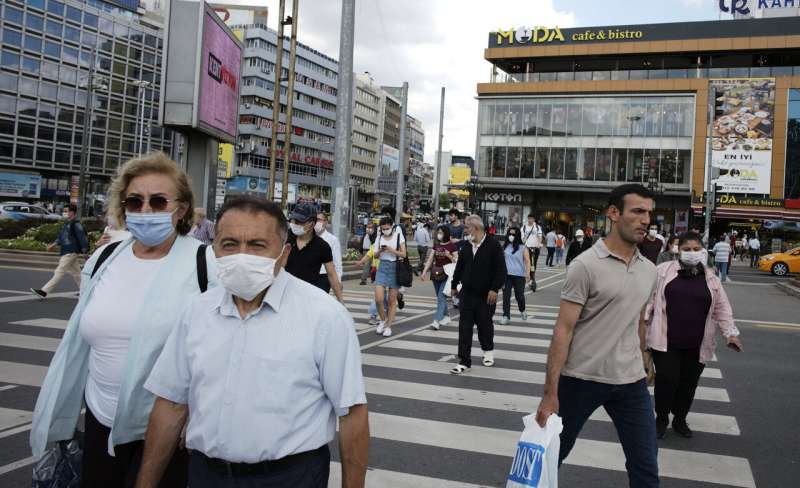 Turkey makes masks mandatory in Istanbul, 46 other provinces