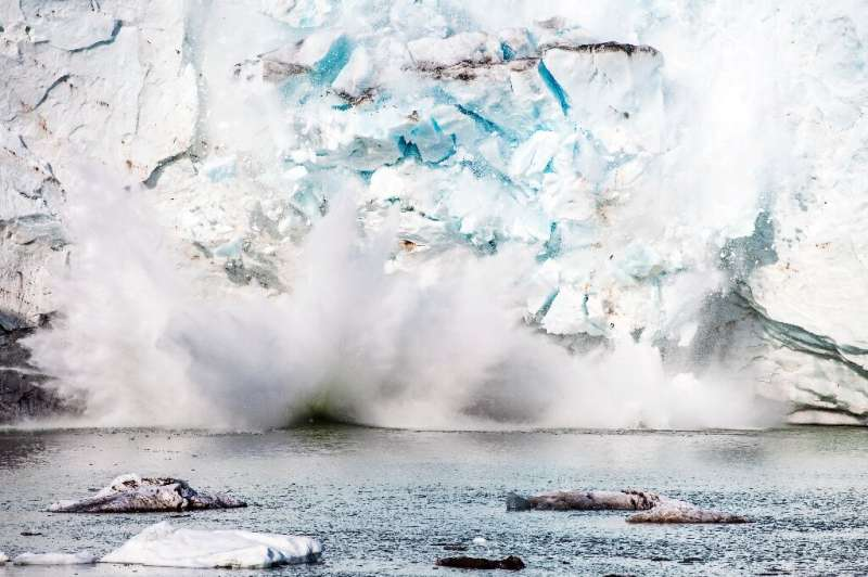 Until 2000, Greenland's ice sheet accumulated as much mass as it shed