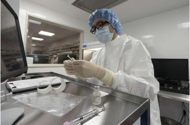 US panel endorses widespread use of Pfizer COVID-19 vaccine