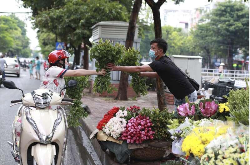 Vietnam confirms 21 more cases in new virus outbreak
