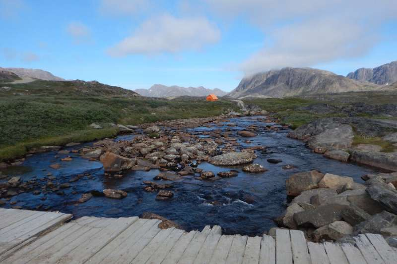 Researchers find newly uncovered Arctic landscape plays important role in carbon cycle