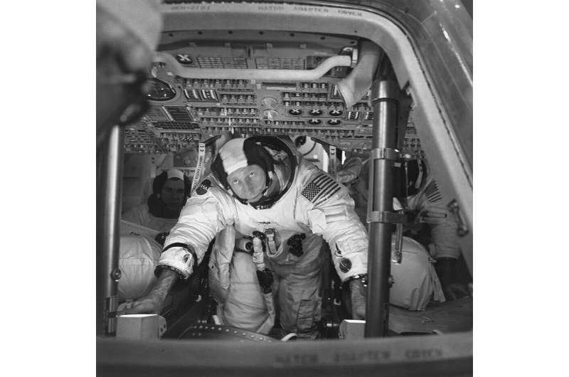 Apollo 15 astronaut Al Worden, who circled moon, dies at 88