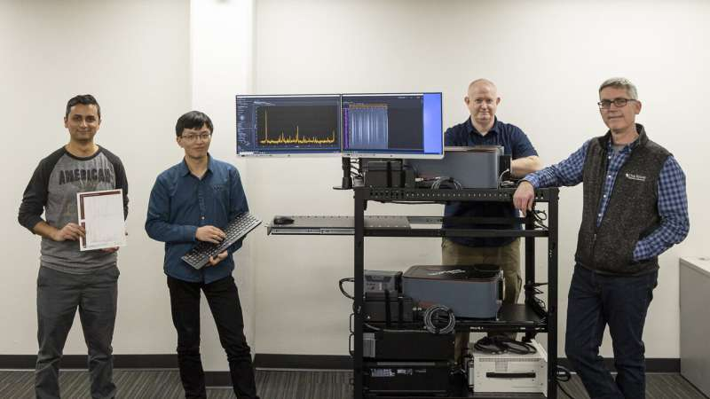 ORNL team builds portable diagnostic for fusion experiments from off-the-shelf items