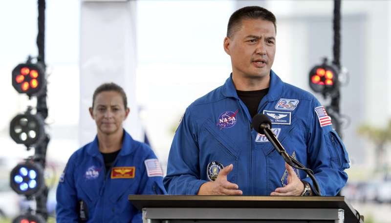 Take 2 for SpaceX's 1st astronaut launch with more storms
