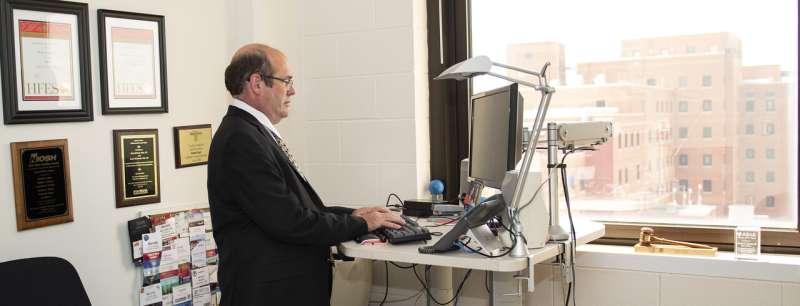 University of Cincinnati ergonomics expert says work smarter at home