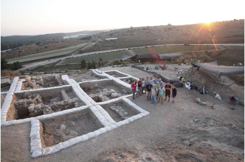 Archaeologists receive letter from biblical era