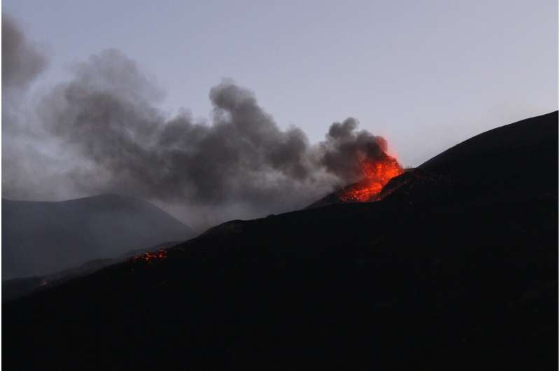 Bristol scientists shine light on tiny crystals behind unexpected violent eruptions