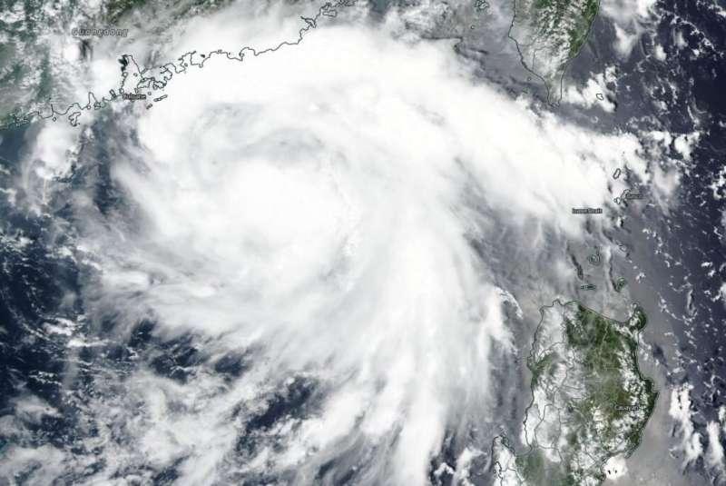 NASA-NOAA's Suomi NPP satellite snaps Tropical Storm Higos' landfall