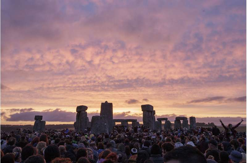 Scientists find huge ring of ancient shafts near Stonehenge