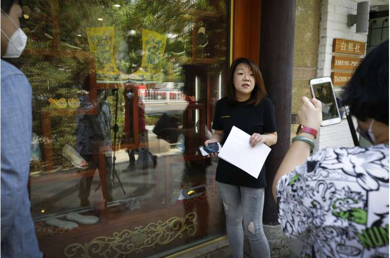 Why open a store? Chinese merchants go livestreaming instead