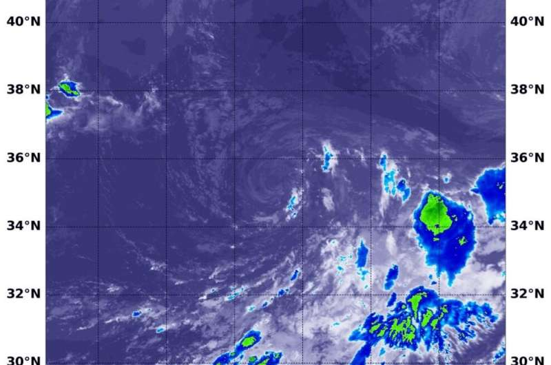 NASA's Aqua Satellite finds wind shear not letting up on Omar