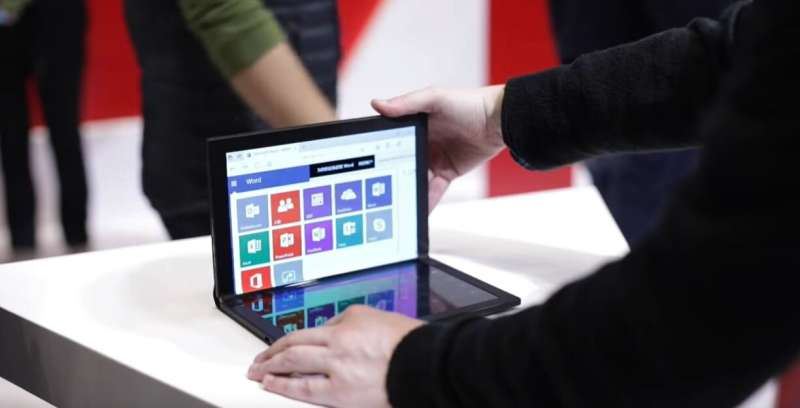 Intel, Lenovo spread foldable computer fever at CES