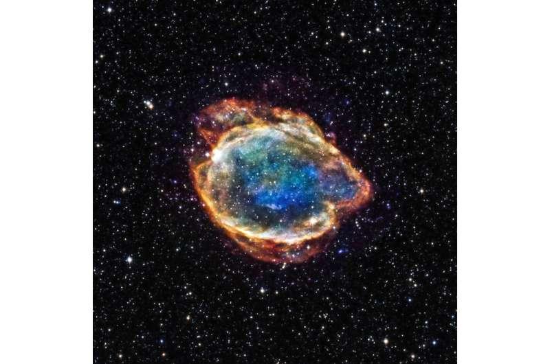 Spectacular UV flash may explain how white dwarfs explode