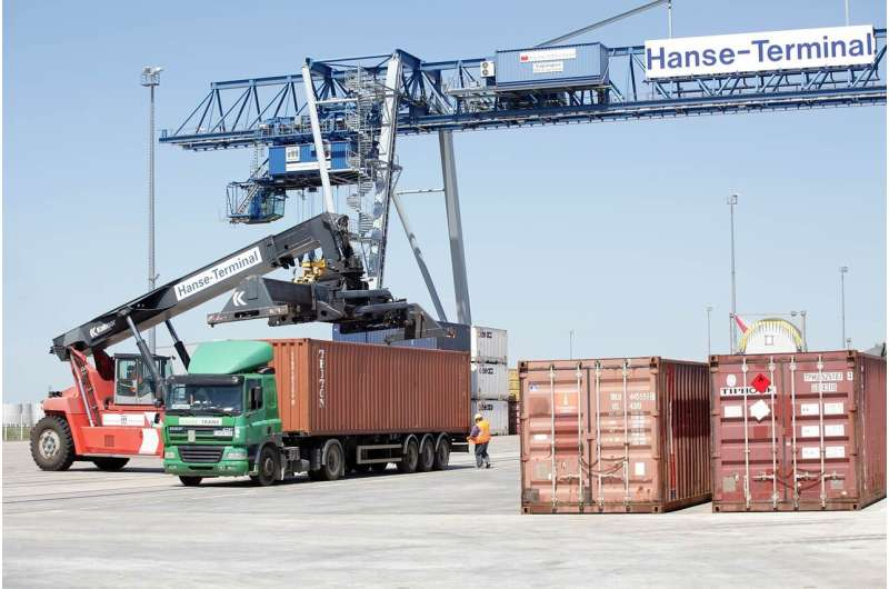 Protection against cyberattacks: More IT security in port terminals