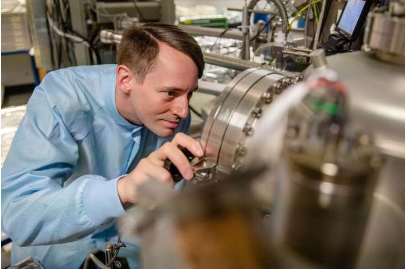 Novel quantum dots facilitate coupling to quantum memory systems