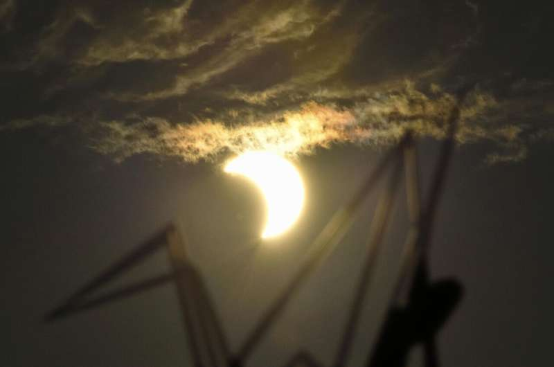 Images: Solar eclipse wows stargazers in Africa, Asia, Middle East