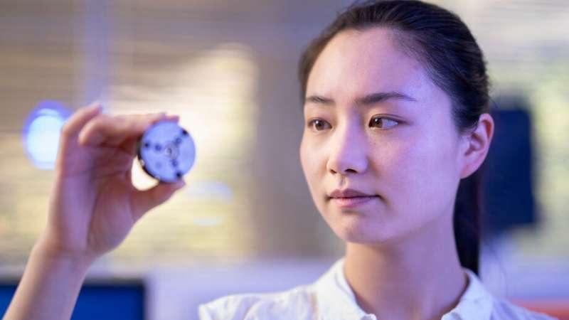 Scientists make insta-bling at room temperature