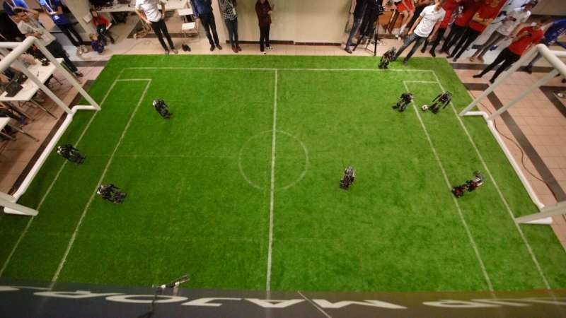 A heuristic search algorithm to plan attacks in robotic football