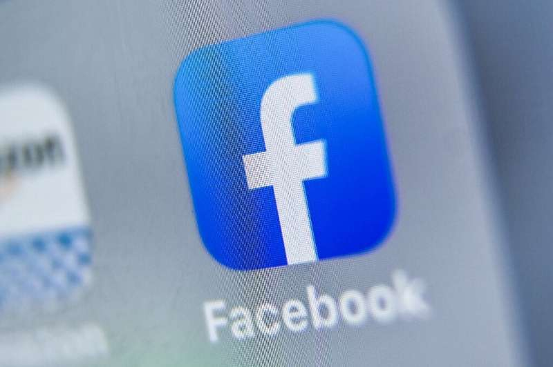 A message displayed atop the Facebook news feed will invite people in the US of voting age to sign up with local election offici