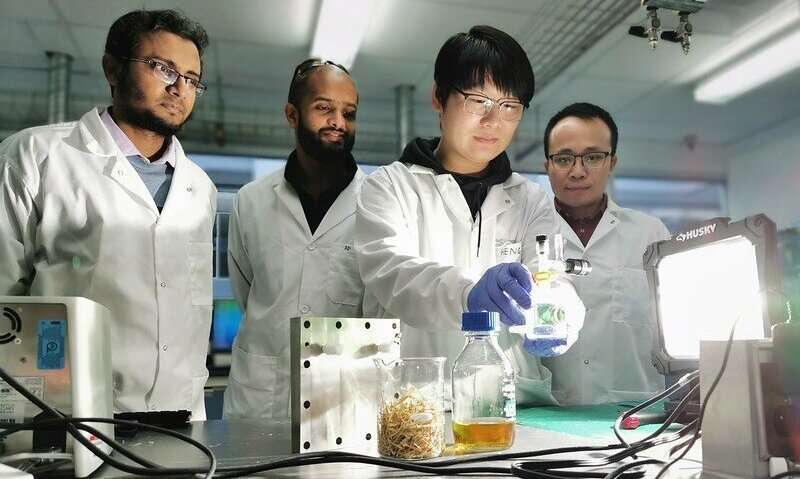 A more profitable and eco-friendly method for turning biomass into biochemicals and green hydrogen