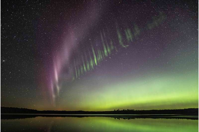 Aurora-chasing citizen scientists help discover a new feature of STEVE