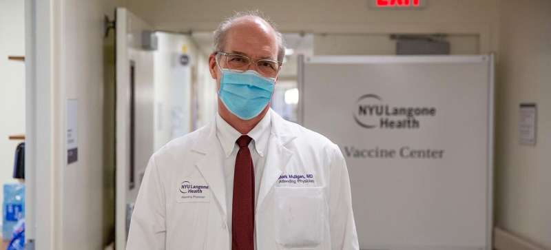 A US clinical trial for COVID-19 mRNA vaccine