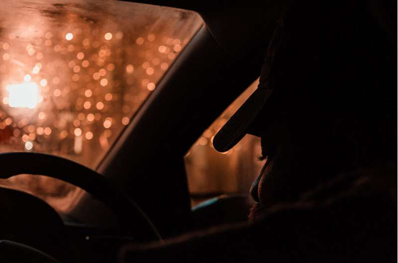 A 'veil of darkness' reduces racial bias in traffic stops