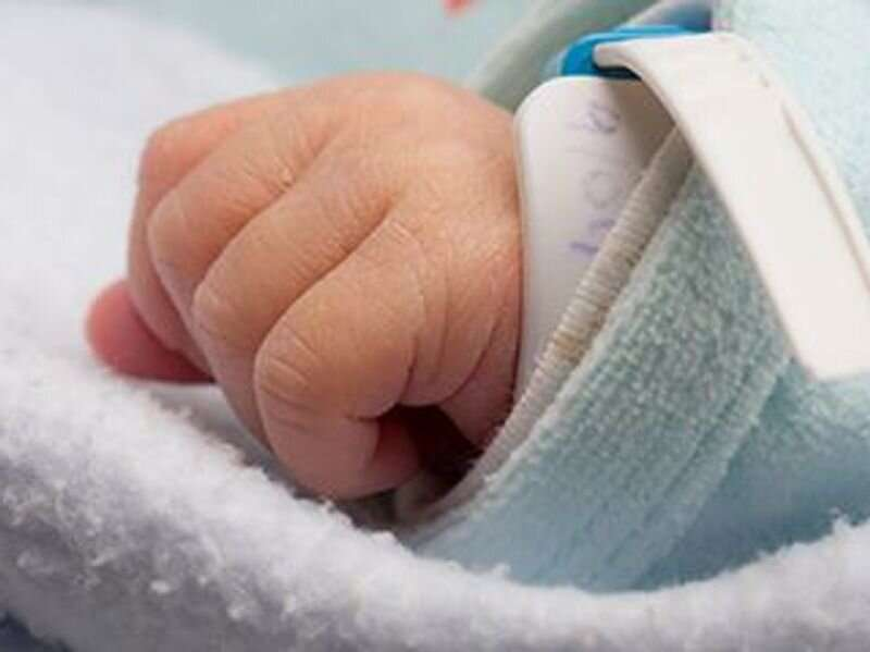 Baby girl born from embryo frozen for 27 years