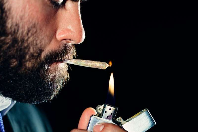 Cannabis use after work doesn't affect productivity – new research