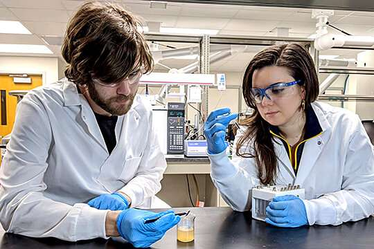 Chemists identify toxic chemicals in fracking wastewater
