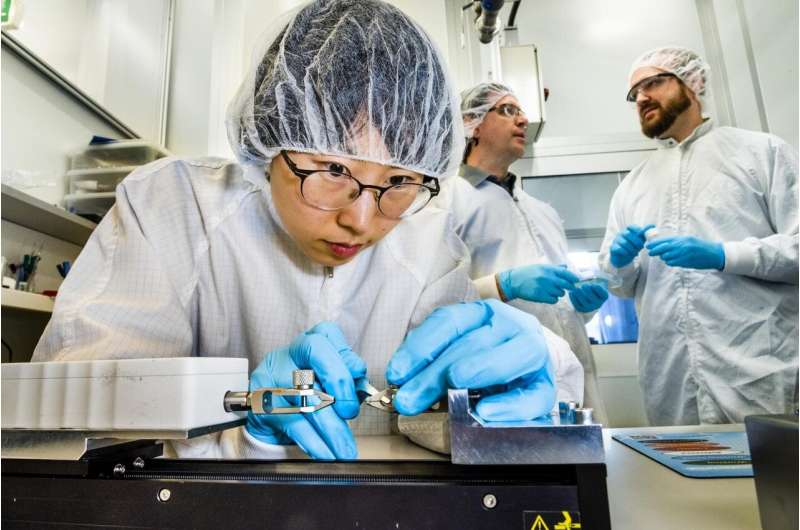 Creating stretchable thermoelectric generators