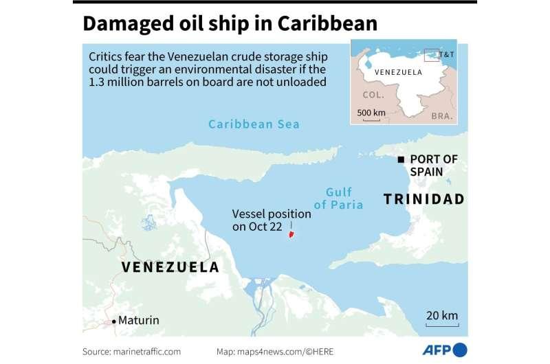 Damaged oil vessel in Caribbean