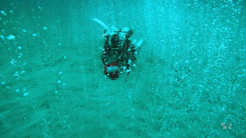 Deep diving scientists discover bubbling CO2 hotspot