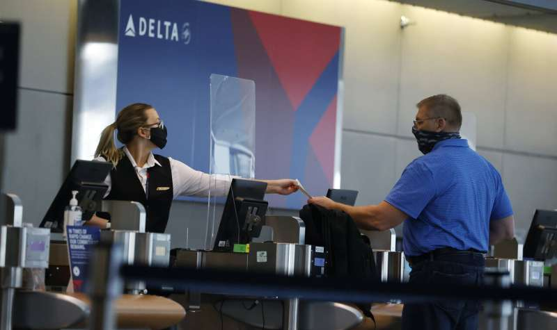 Delta latest airlines to raise funds through loyalty program