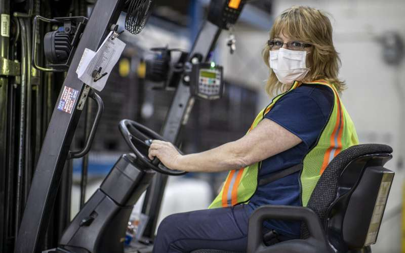 Despite risks, auto workers step up to make medical gear