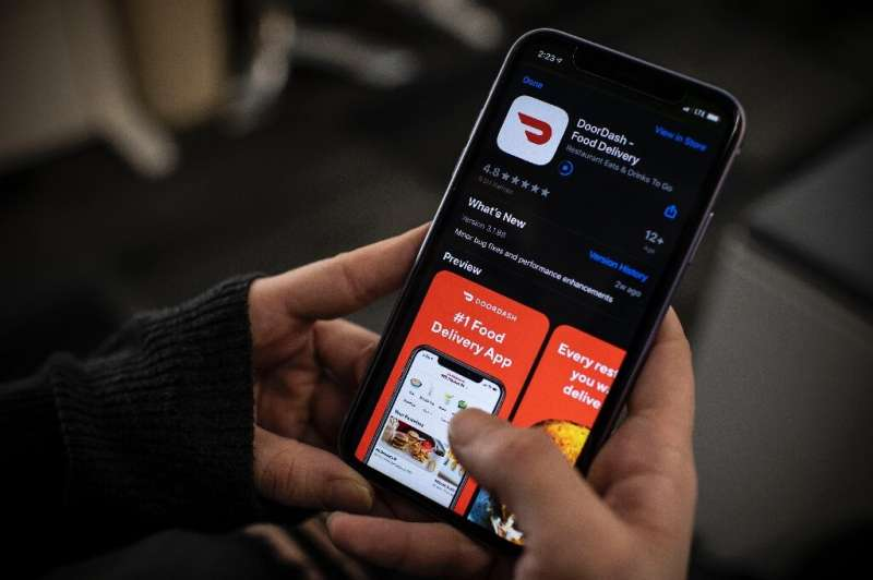 DoorDash, which has seen its food delivery business surge in the pandemic, raised  $400 million in a funding round