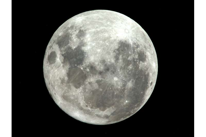 ESA helps analyse untouched Moon rocks