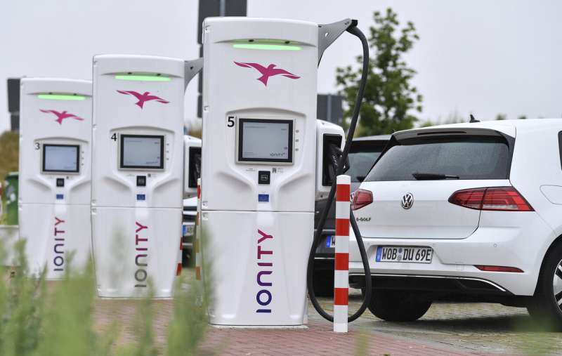 European carmakers build out charging network for electrics