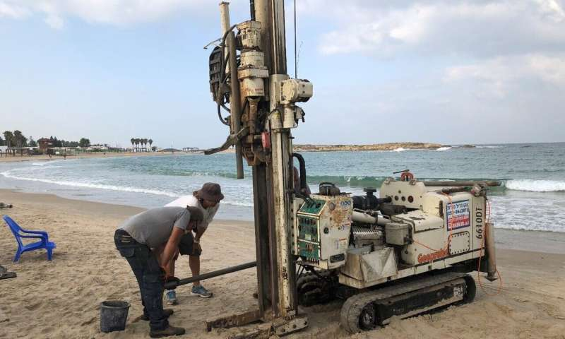 Evidence for a massive paleo-tsunami at ancient Tel Dor, Israel