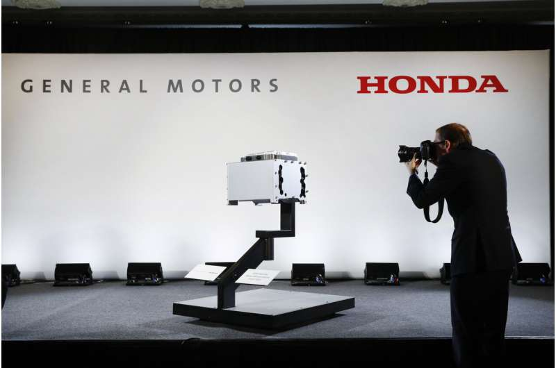 Honda, General Motors sign deal to work on vehicles together