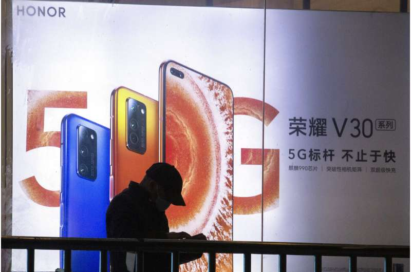 Huawei selling Honor phone brand in face of US sanctions