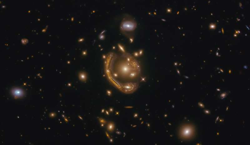 Hubble sees a 'molten ring'