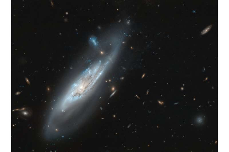 Hubble snaps ghostly galaxy
